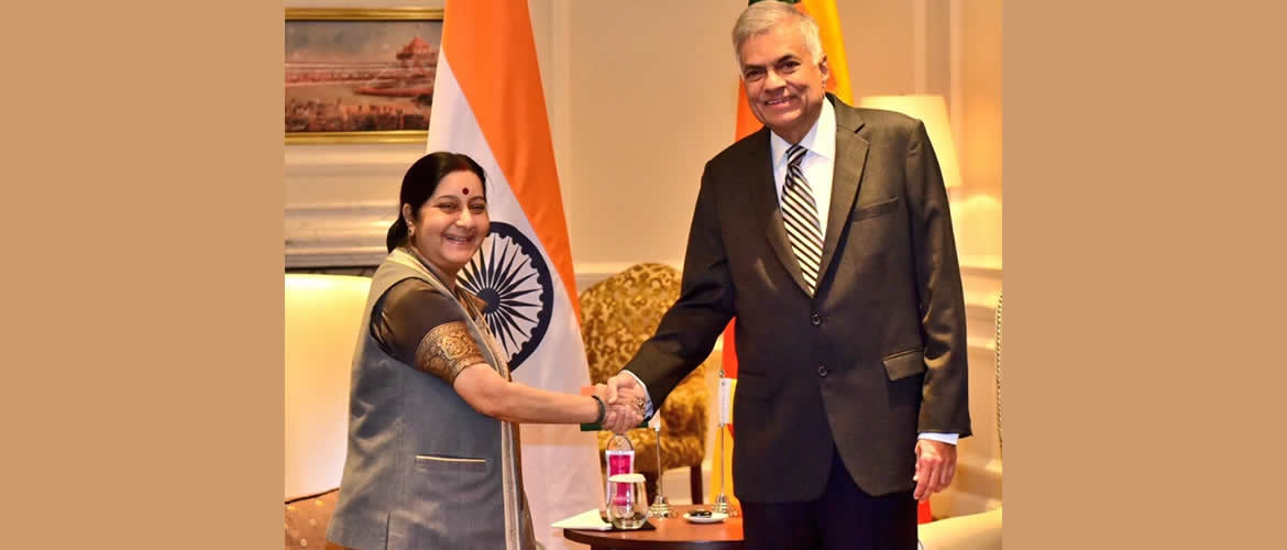 Ho'ble Prime Minister of Sri Lanka Mr.Ranil Wickremrsinghe  is welcomed by External Affairs Minister, Mrs. Sushma Swaraj in New Delhi